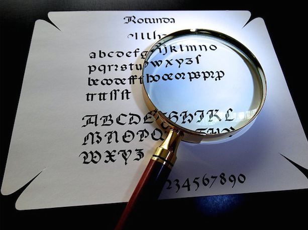 iPhoneで表示される文字サイズを見やすく変更する方法